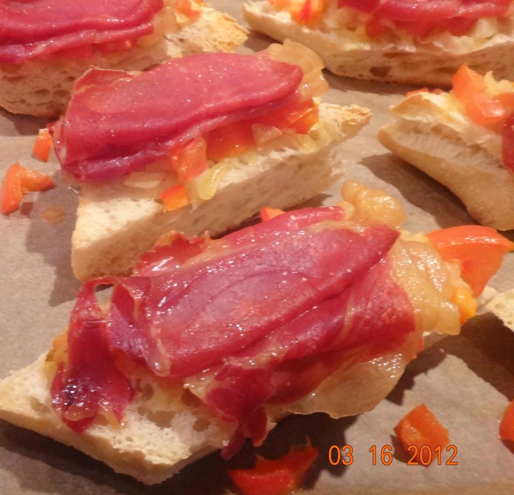 Bruscetta med lufttørret skinke